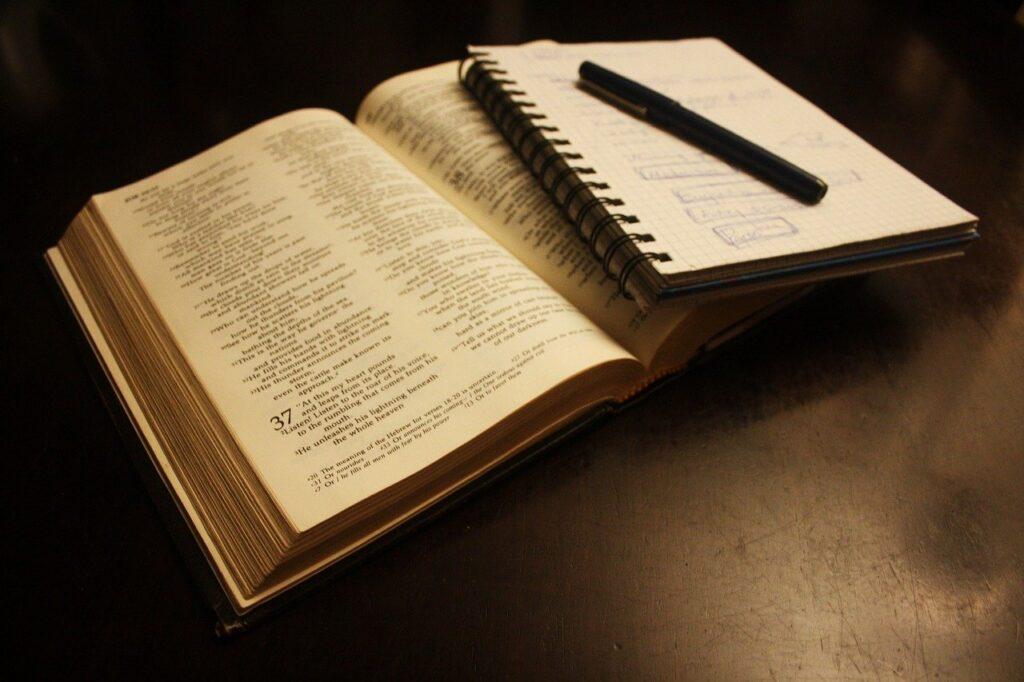 estudos teologia