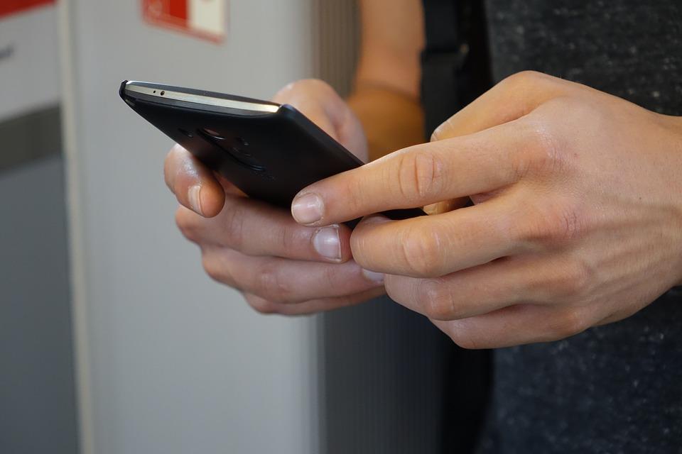 smartphone-2454611_960_720